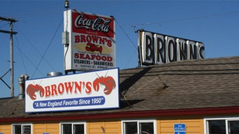 Seabrook's Brown's Lobster Pound Re-Opens