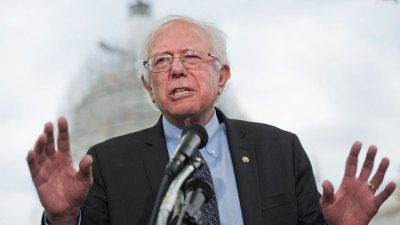 Poll: Sanders Gaining Momentum