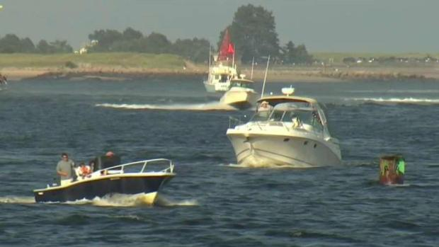 [NECN] 5 Rescued From Water After Boat Capsizes in Merrimack River