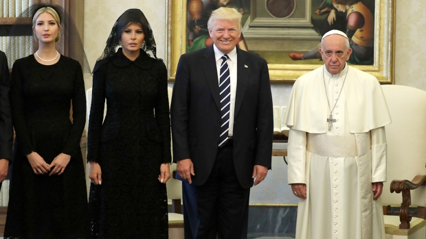 Melania and Ivanka wore veils to meet the Pope
