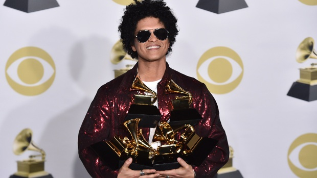 [NATL] Bruno Mars Sweeps Grammys, Kesha's Powerful Performance and More at the 60th Grammy Awards