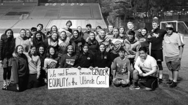 Boston University Athletes Spread Messages of Feminism With Frisbees