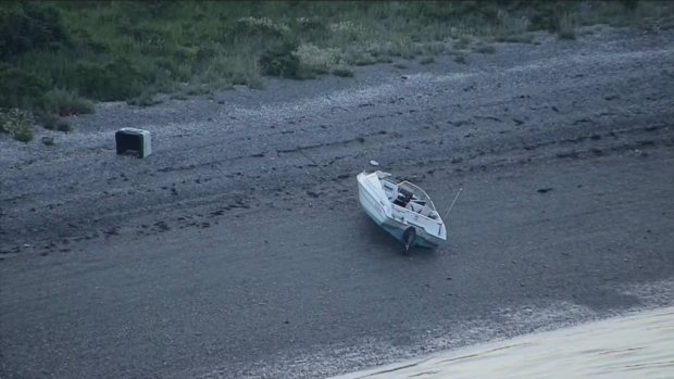 [NECN] Boat Run Onto Island After it Takes Water