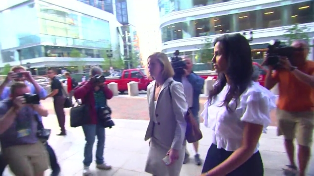 [NECN] 'Top Chef' Host Arrives to Court in Teamsters Case