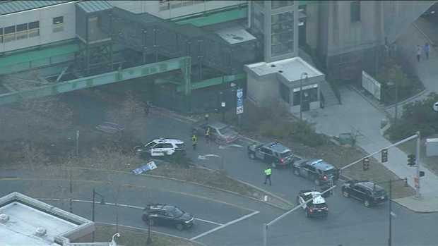 [NECN] Suspect in Bank Robbery, Pursuit Identified