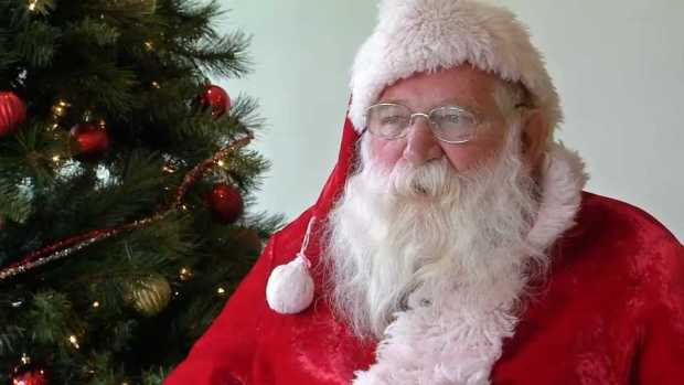 [NECN] Man Who Has Played Santa for 50 Years Wants Christmas Cards