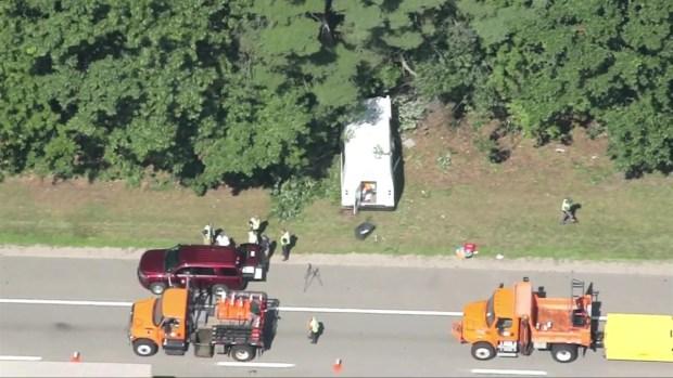 [NECN]RAW VIDEO: Sky Ranger Over I-95 Crash in NH