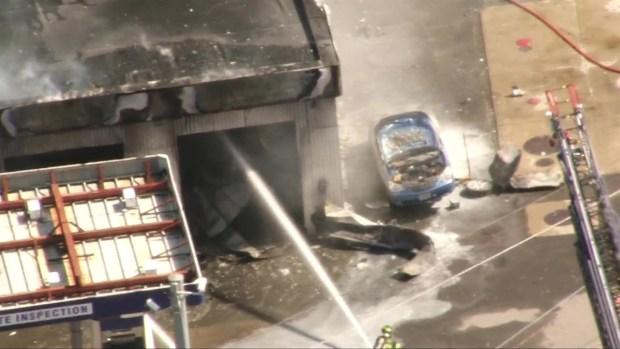 [BOS] RAW VIDEO: Firefighters Battle Gas Station Blaze in Mansfield