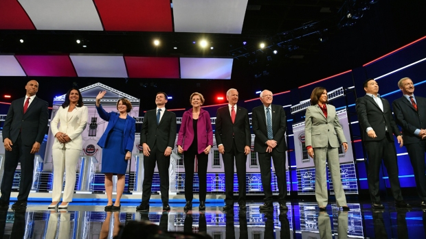 [NATL] Top News Photos: Health Care Leads at Democratic Debates, Impeachment Hearings, More