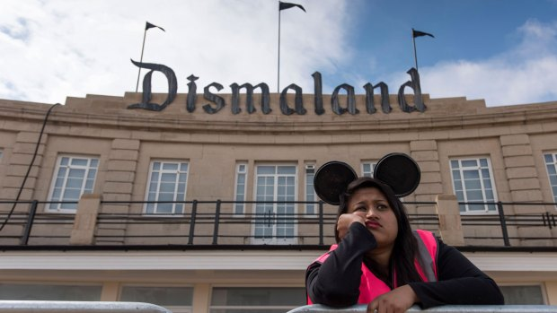 Artist Banksy Reveals 'Dismaland' Park