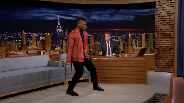 [NATL] 'Tonight': John Boyega Shows Off His Best Michael Jackson Dance Moves