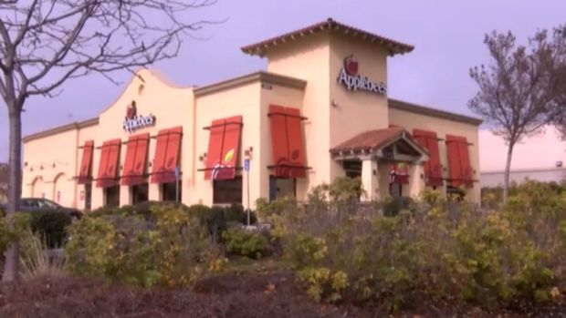 Fingertip Served in Applebee's Salad, Woman Says