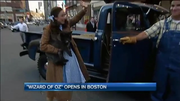 [NECN] WATCH: Dorothy and Toto Arrive for 'The Wizard of Oz'