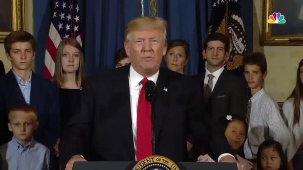 [NATL] Trump Blames GOP, Dems for Health Care Repeal Struggle