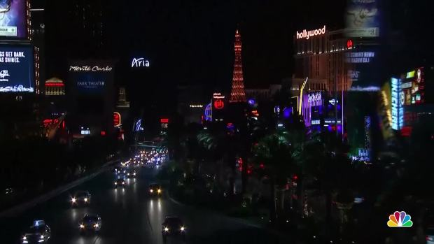 [NATL]Las Vegas Strip Dims for Shooting Victims