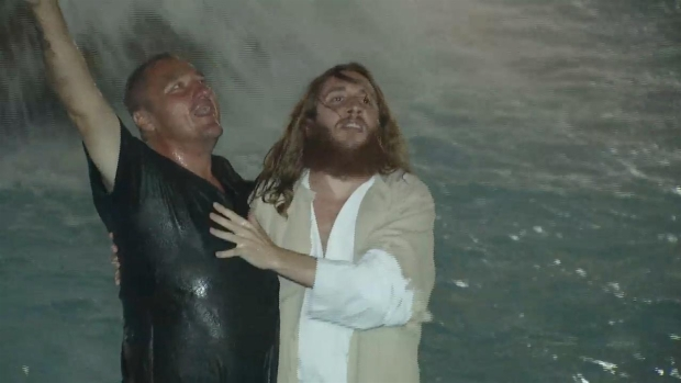 RAW VIDEO: Philly Jesus Performs Baptism in Love Park