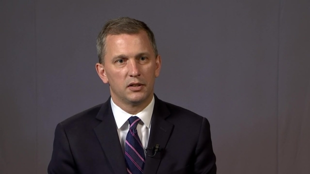 [NATL-CHI]Casten Speaks Out on Challenges of Facing Roskam