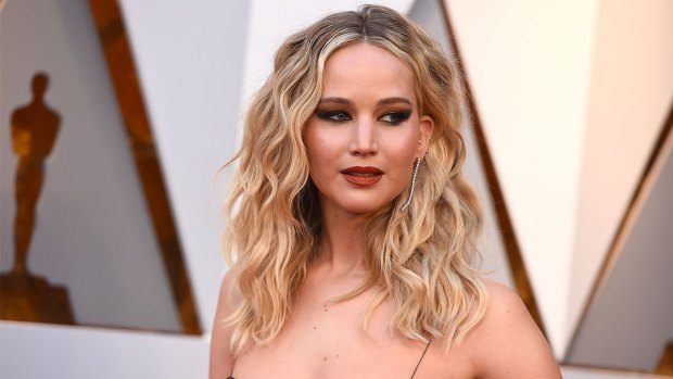 Celeb Hookups: Jennifer Lawrence Engaged to Cooke Maroney