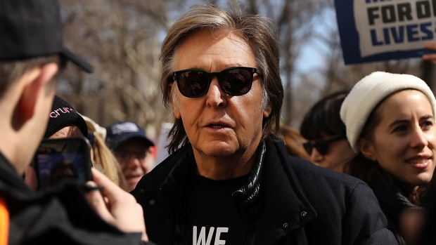 [NATL] Paul McCartney Joins March For Our Lives in New York
