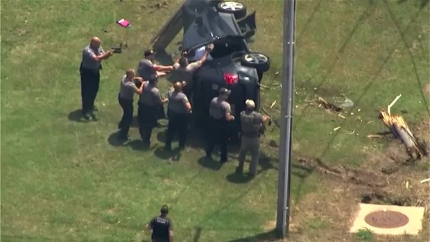 [NATL-DFW] RAW VIDEO: Wild Okla. City Police Chase Ends in Crash