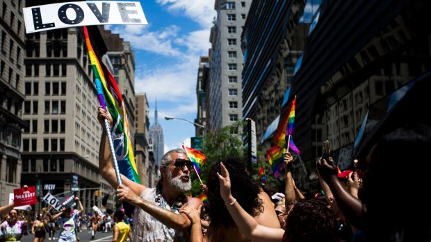 [NATL]Rainbows Shine as Cities Across the US Celebrate Pride