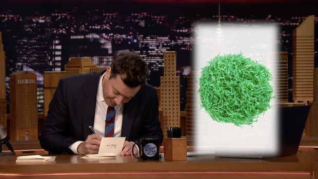 [NATL] 'Tonight': Thank You Notes to Easter Grass, Souvenir Yard Cups