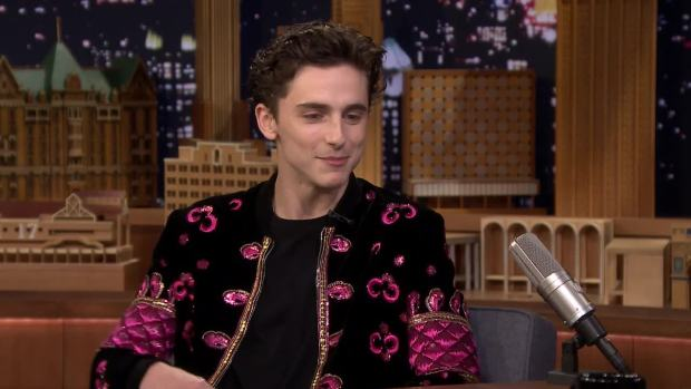 [NATL] 'Tonight': Chalamet Reacts to Being Photoshopped Into Memes
