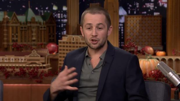 [NATL] 'Tonight': Michael Angarano Reacts to 'This Is Us' Brother Theories