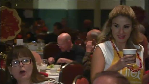 Nelly Carreno Helps Serve Thanksgiving Dinner