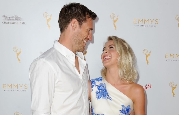 Celeb Hookups: Julianne Hough and Brooks Laich