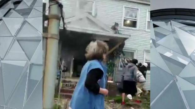 [NECN] 2 Hurt in Dorchester Fire