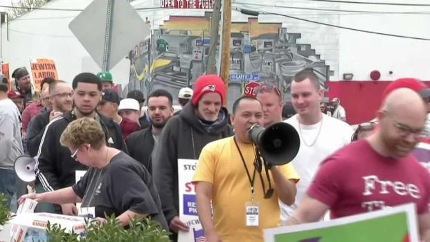 [NECN] Stop and Shop Workers Continue Picket Line for 4th Day