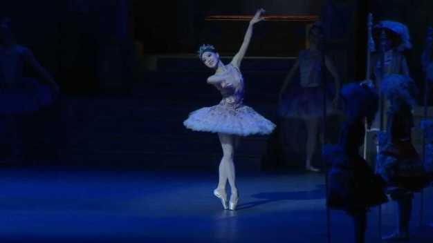 'Nutcracker' Returns to the Stage in Boston