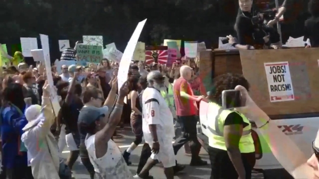 Viewer Video: Counter-Protesters March Toward Boston Common