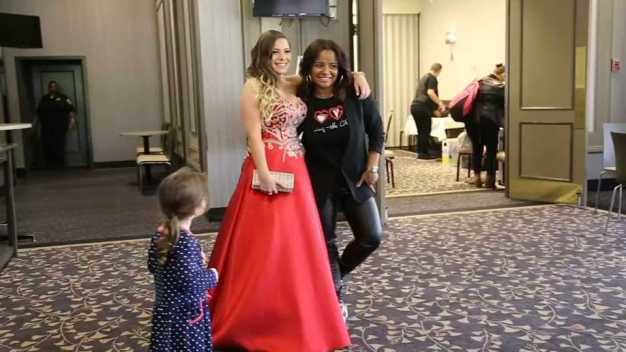 'Giving the Glam' Hosts Annual Prom Fundraiser
