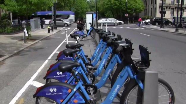 Competing Bike Sharing Companies Offer Services in Boston