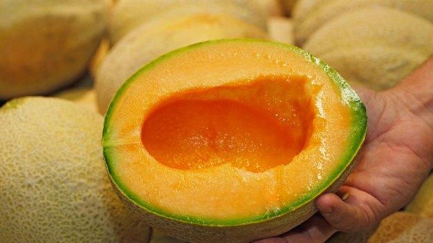 FDA: More States Selling Melon Linked to Salmonella Outbreak}
