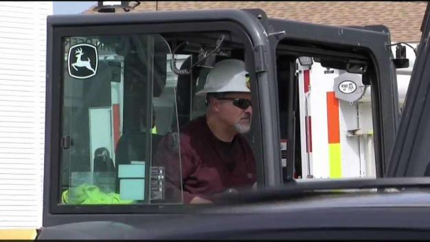 Gas Co. Hires Workers to Expedite Restoration Effort
