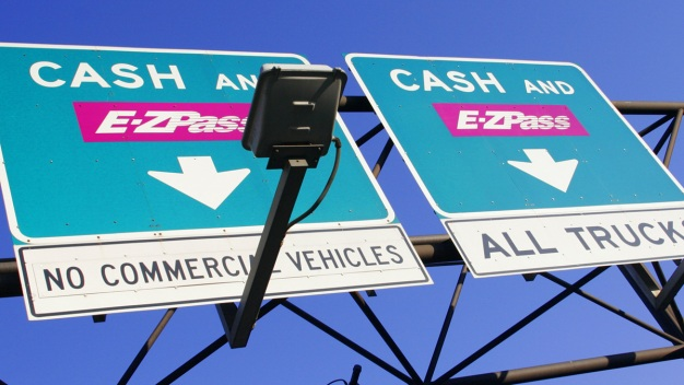 State Lawmakers Vote to Push Forward 3 Bills on Tolling
