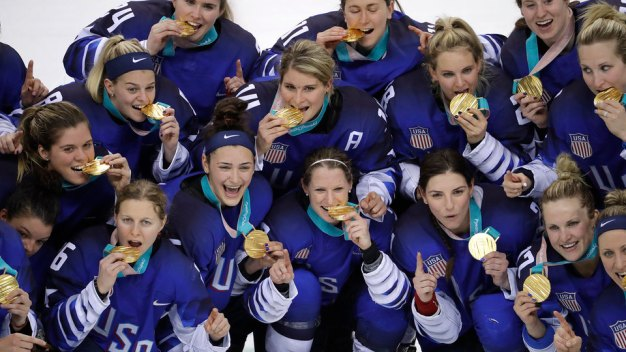 US Women Win Hockey Gold, and Twitter Loses It
