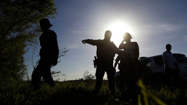 Border Arrests Surge, Erasing Much of Trump's Early Gains