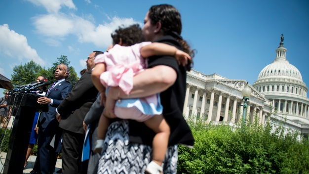 Guatemalan Migrant Sues Trump Administration for Taking Son