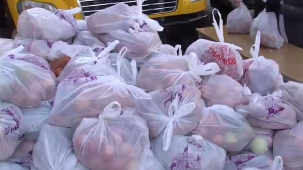 Thanksgiving Project Provides Meals to Mass. Families