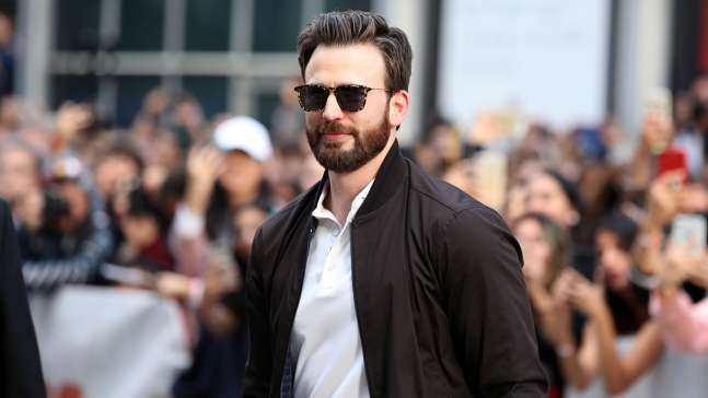 'Captain America' Chris Evans Helps Dedicate Youth Theater