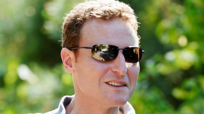 Facebook's CFO to Step Down as Earnings Soar