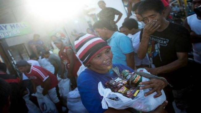 Aid for Typhoon Haiyan Survivors Starting to Make Impact in Philippines