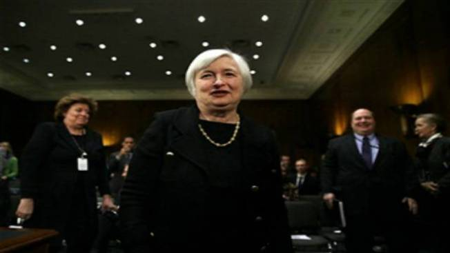 Senate Panel Advances Yellen's Bid to Lead Fed