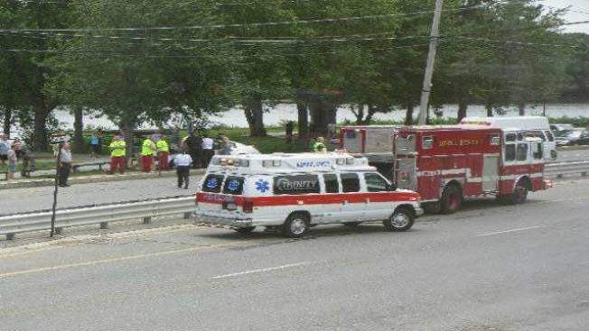 1 dead in lowell mass crash necn for Motor vehicle lowell ma
