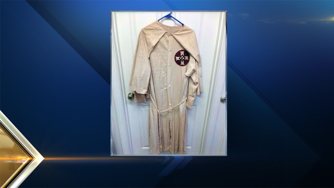 New Hampshire Auctioneer Sells Ku Klux Klan Robe for $375