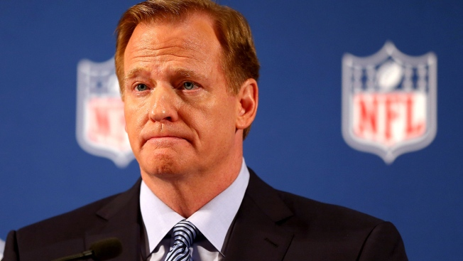 Man Confronts Roger Goodell at Maine Supermarket